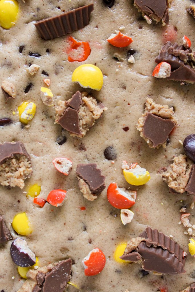 close up shot of reese's cookie dough topping